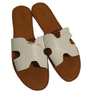 Universal Thread White Jenny Slide Sandals